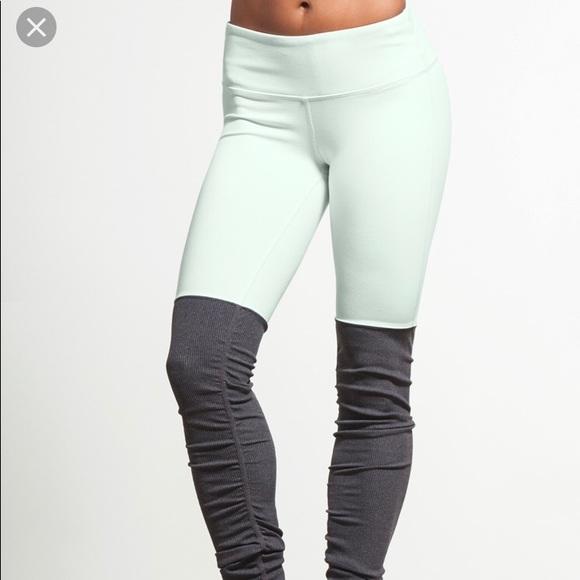 b1c10d9ae4d42 ALO Yoga Pants | Nwt Goddess Legging Mintstormy Hthr Xxs | Poshmark